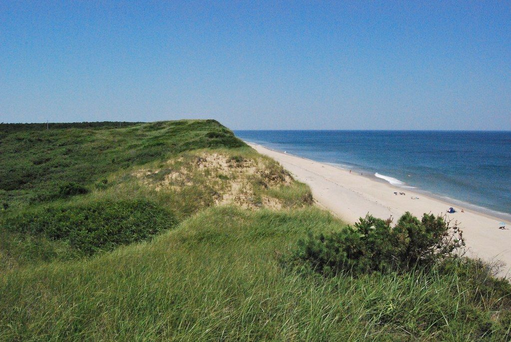 """White Crest Beach, National Seashore, Wellfleet"" by ThatMattWade is licensed under CC BY-SA 2.0"